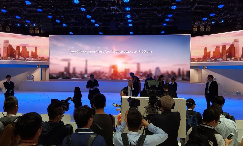 VW präsentiert sich auf der Auto China 2016