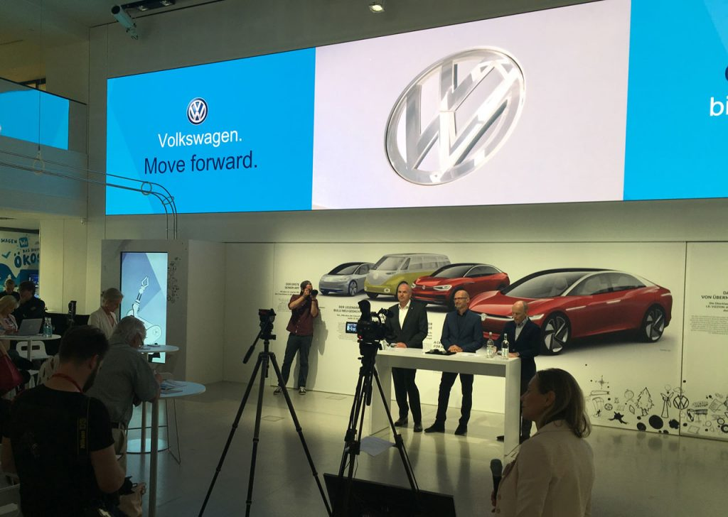 Ausstellungseröffnung - Mobilitäts-Ausstellung DRIVING VIZZIONS TO REALITY im DRIVE